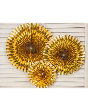 3 koristeellista paperiviuhkaa kultaisena