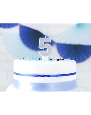 Numero 5 syntymäpäiväkynttilä hopeisena