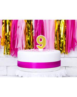 Numero 9 syntymäpäiväkynttilä kultaisena