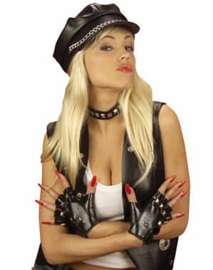 Guantes y brazalete de motero con tachuelas