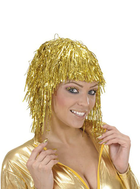 Gold Eyelashes and Nails