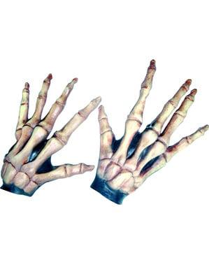 Mains squelettes allongées