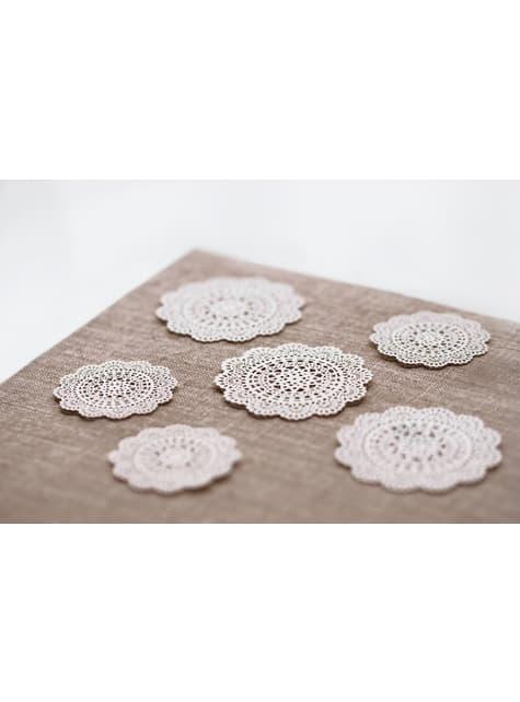 10 pientä, koristeellista, valkoista paperiviuhkaa pöydälle