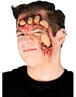 Verinen naama lateksinen proteesi