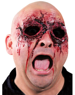 Kiszúrták a szemét latex protézis