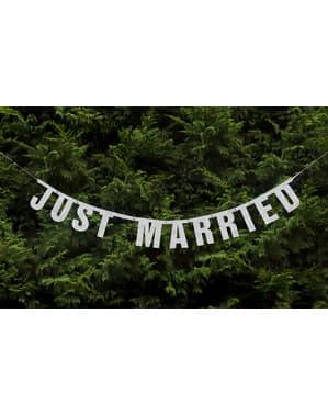 """Лъскава бяла хартиена гирлянда """"Just Married"""""""