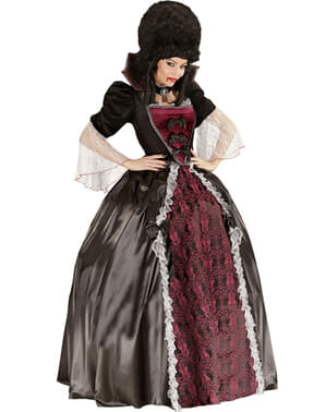 Vampire costume for a woman