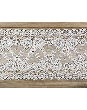 Decorative off-white lace measuring 15 cm for table