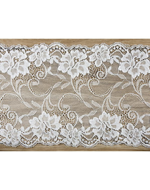 Decorative off-white lace measuring 18 cm for table