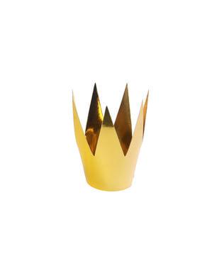 3 coronas doradas de Reina
