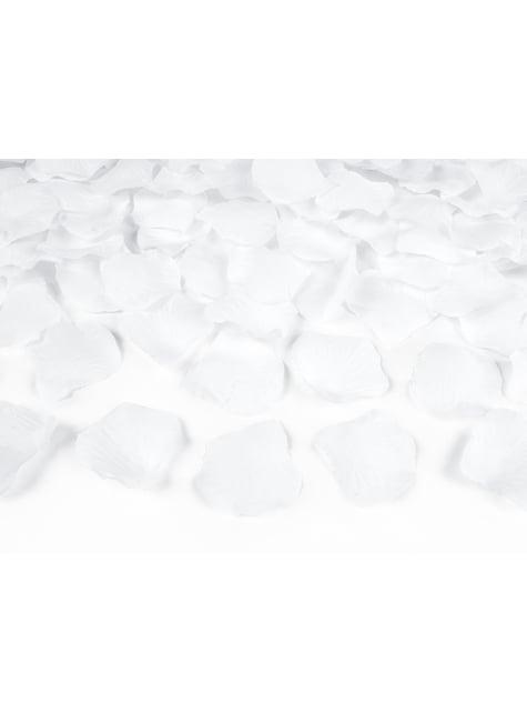 100 pétales de roses blanches