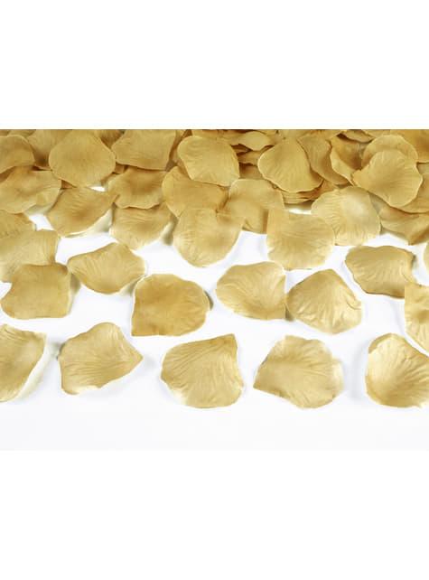 100 pétalos de rosas doradas
