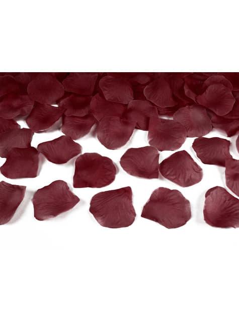 100 pétales de roses rouges grenat