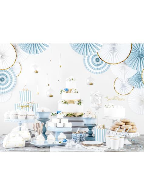 10 boîtes à gâteaux blanches avec branches et texte