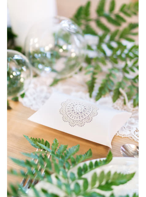 10 Gift Boxes with Die-Cut Decorations - Rustic Collection