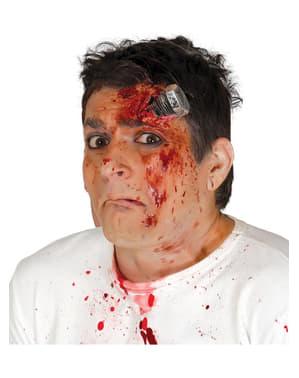 Bekas luka sekrup bernoda darah