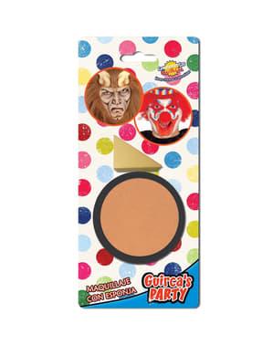 Hudfarvet makeup med svamp
