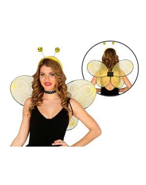 Ailes abeille amusante femme