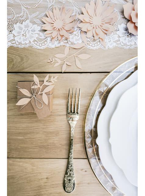 10 neliön muotoista lahjalaatikkoa lapulla - Rustic Wedding