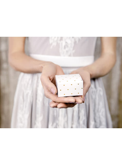 10 cajas de regalo blancas con corazones dorados