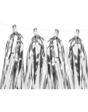Girlanda ze srebrnymi frędzelkami