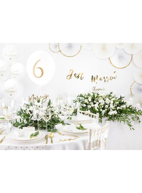 10 étiquettes porte-noms blanches avec cœur doré en papier