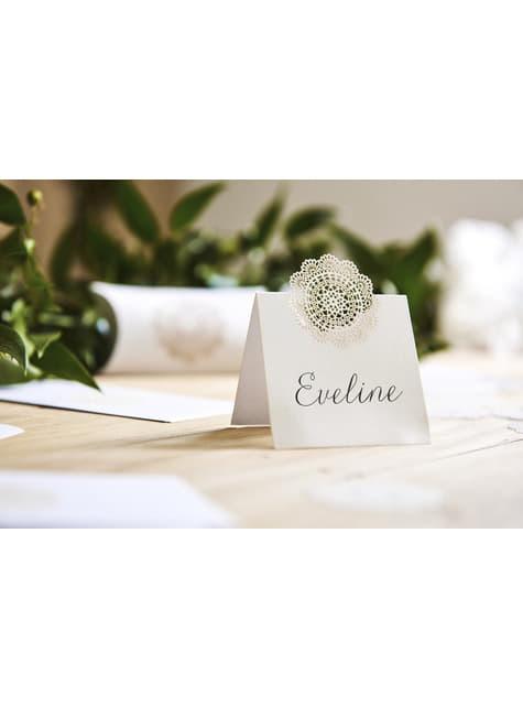 10 tarjetas para mesa blancas con troquelado decorativo