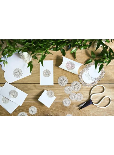 10 étiquettes porte-noms blanches avec rosace en papier