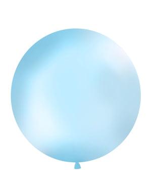 Jättimäinen ilmapallo pastellin taivaansinisenä