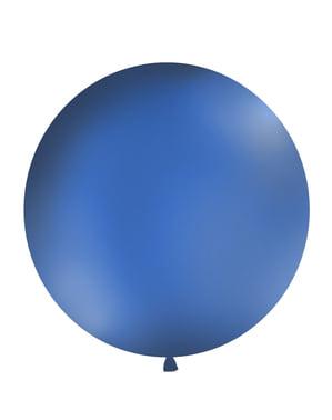 Jättimäinen ilmapallo pastellin laivastonsinisenä