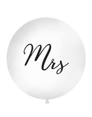 """सफेद में विशालकाय """"श्रीमती"""" गुब्बारा"""