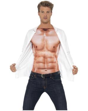 שרירים בחולצת טריקו לגברים