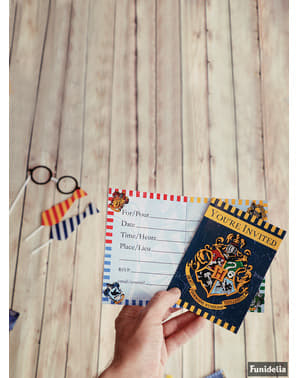 Zestaw 8 zaproszeń na imprezę z herbem Hogwartu - Harry Potter