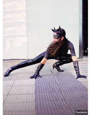 Розкішний костюм жінки-кішки