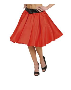 Rok Saten Merah Wanita dengan Slip