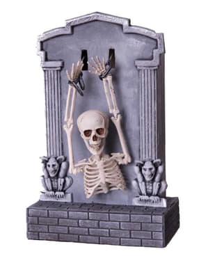 Lápide decorativa com esqueleto com movimento, luz e som halloween
