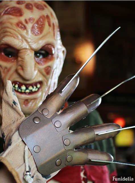 Luva de metal de Freddy Krueger Deluxe