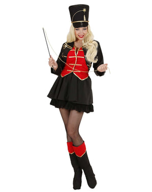 Costum îmblânzitoare pentru femeie