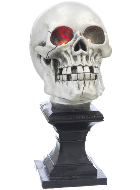 Decorative figure of a skull with lights for Halloween (27 cm)