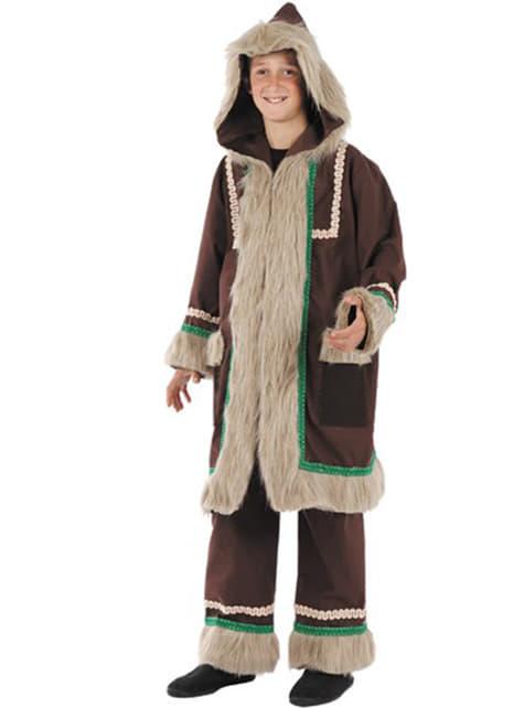 Момчетата ескимски костюми