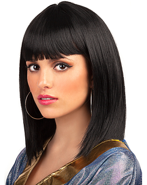 Short black wig with fringe
