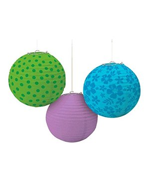 3 decorative hanging spheres with cold coloured patterns