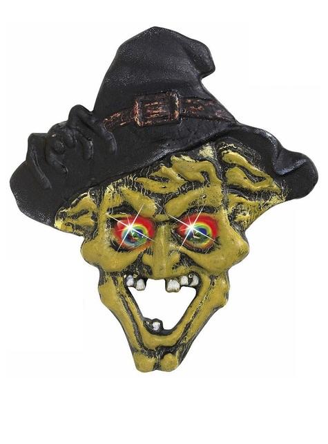 Czarownica z kamiennymi oczami zmieniającymi kolor