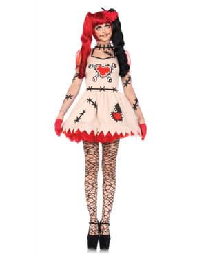 女性のブードゥー教の人形の衣装