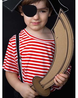 Espada pirata de cartão para menino
