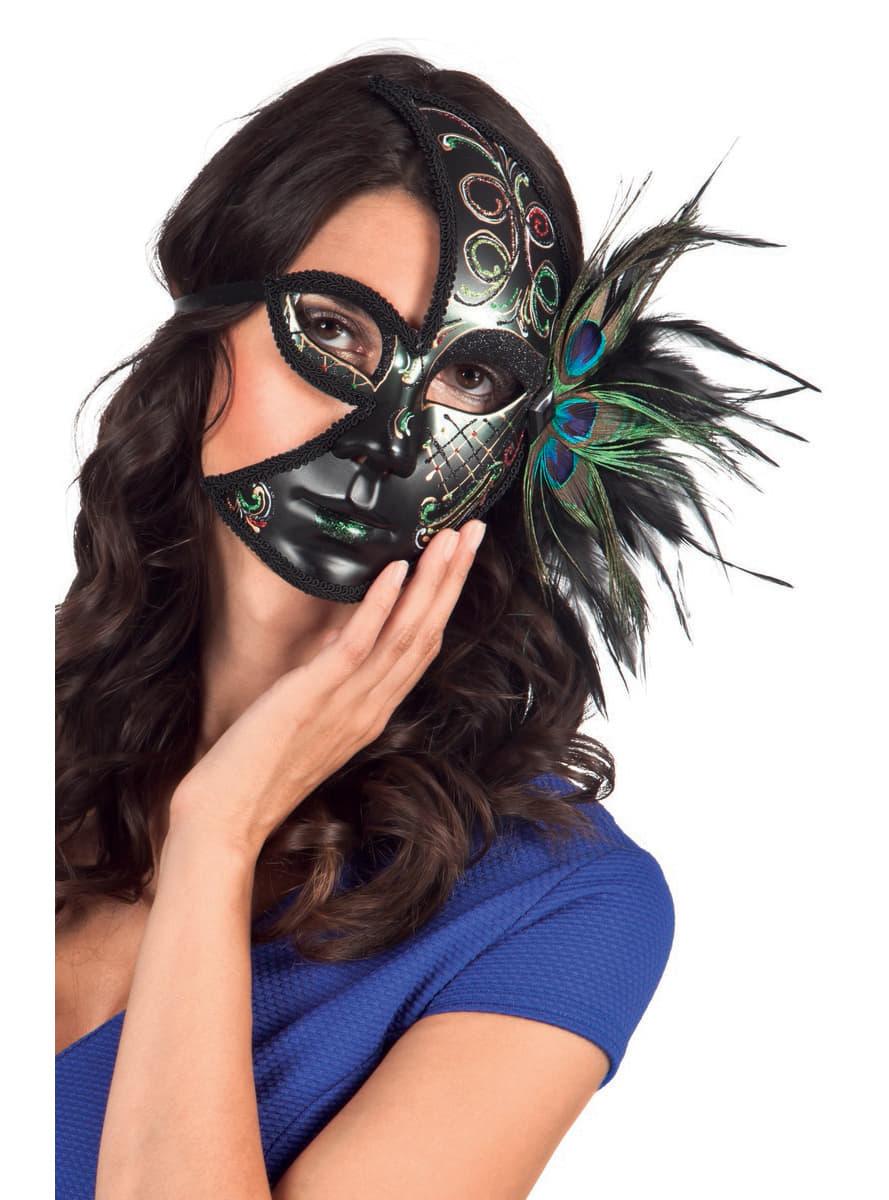 Las máscaras para la persona con el óleo etérico de la naranja