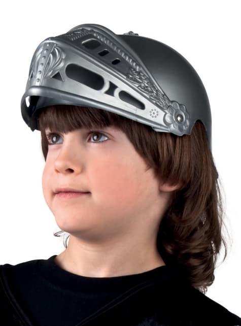 Chlapecká přilba středověkého rytíře