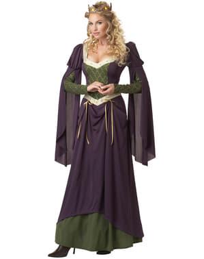 Ženska princesa v stolpnem kostumu