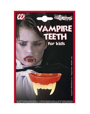 Дракула зъби дете