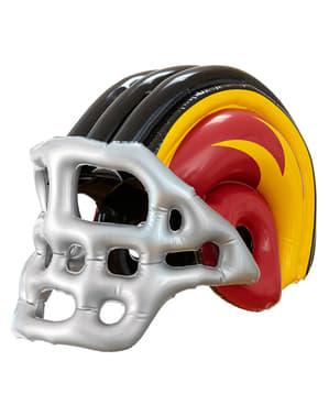 Надуваемият американски футболен шлем на момчето